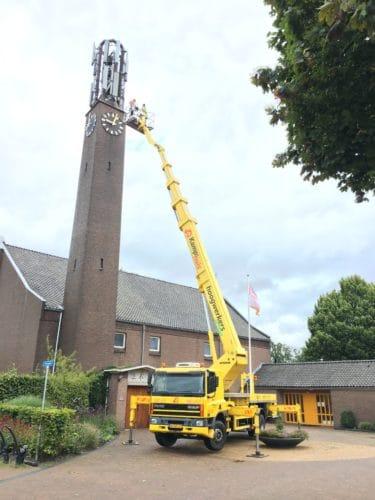 42 meter klus aan een kerk