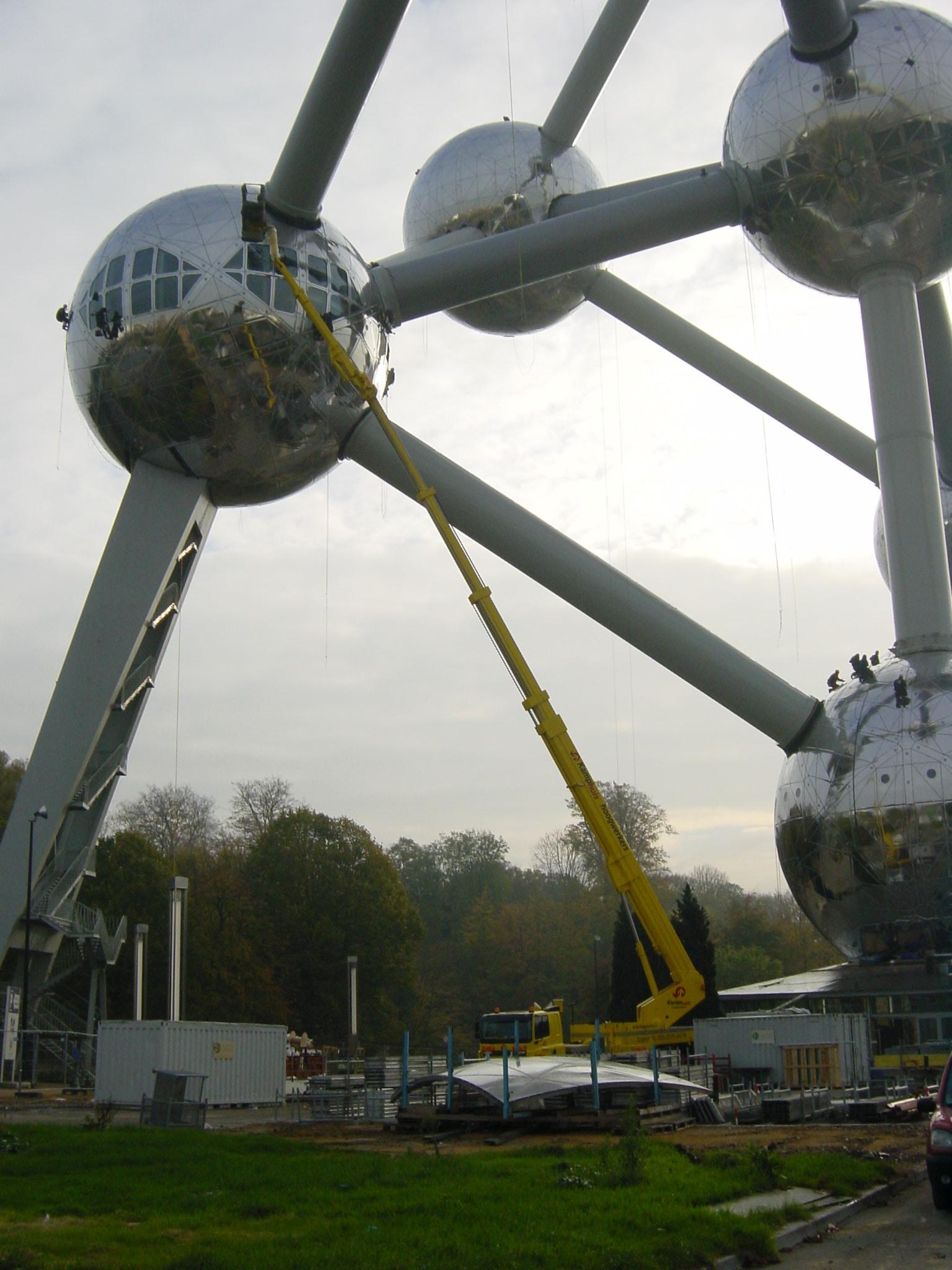 TU 700 Atomium Belgie 2005 (7)