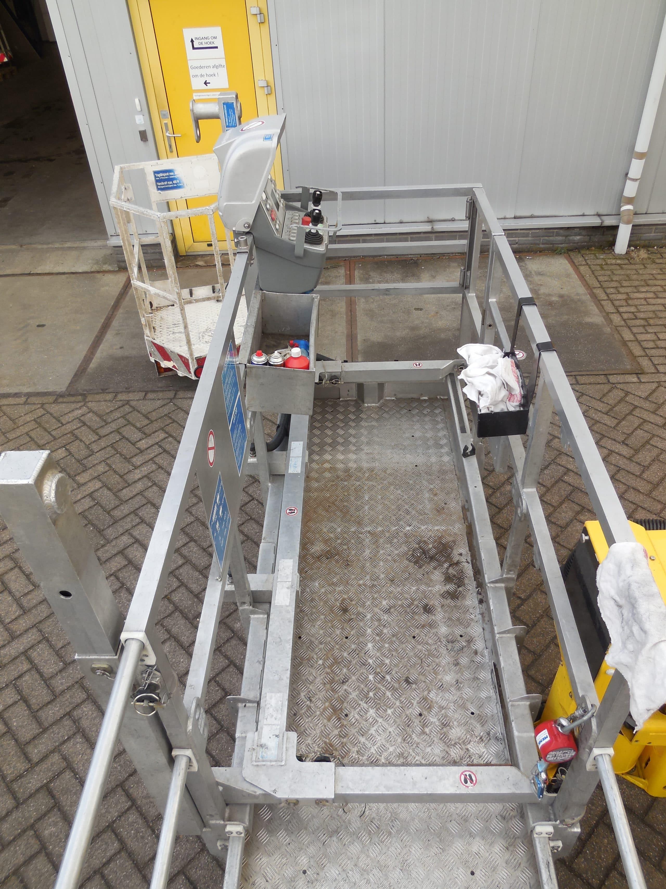 Lift-up systeem tot 600 kg buiten de gondel (4)