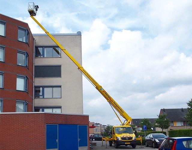 29-meter-autohoogwerker-in-actie3