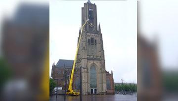 Schoonmaken Eusebius kerk Arnhem
